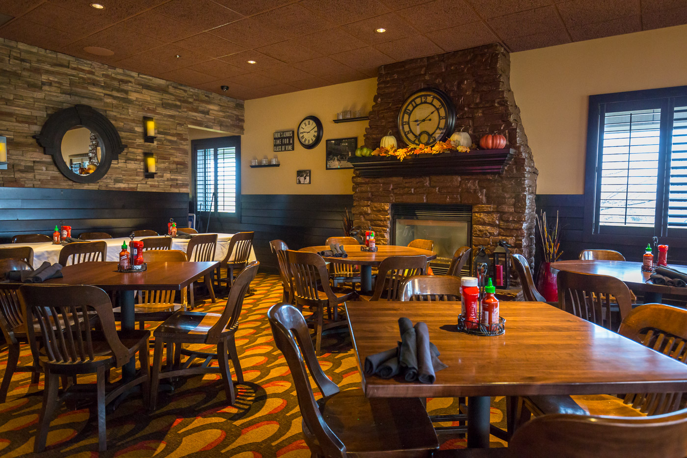 Restaurant Photos Malone S Maple Grove Bar And Grill